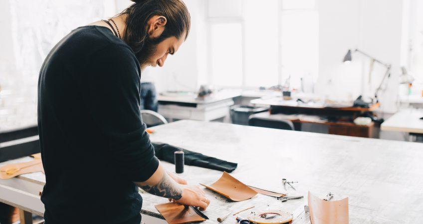Técnico en Artesanía de Complementos de Cuero
