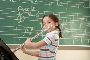 Profesor de música, aprendizaje con ritmo