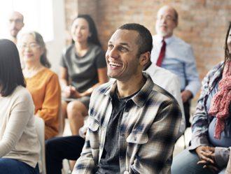 Conviértete en monitor de talleres de risoterapia y opta por una profesión diferente