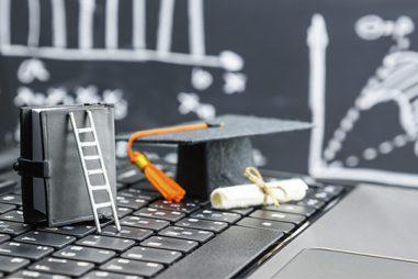 ¿Es posible hacer un doctorado mientras trabajas?