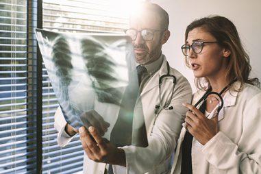 ¿Cómo puedo ser radiólogo?