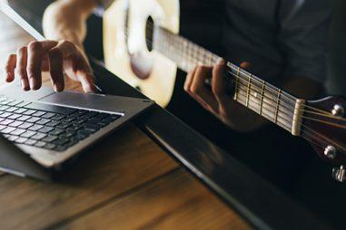 Cómo estudiar música fuera del conservatorio