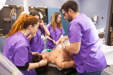 Simulaciones clínicas para formarse en sanidad