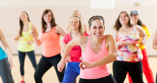 Qué es la danzaterapia y cómo puedes formarte para convertirla en tu profesión