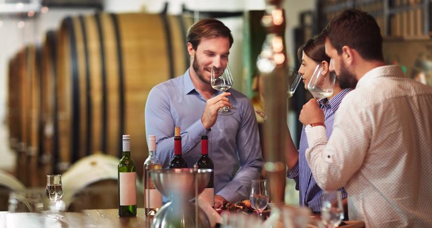 ¿Existen diferencias entre el catador de vinos, el sumiller y el enólogo?