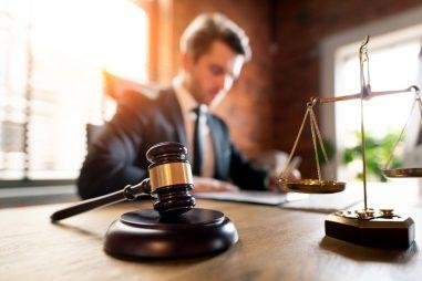 Procuradores, ¿cuáles son sus funciones y qué preparación se requiere?